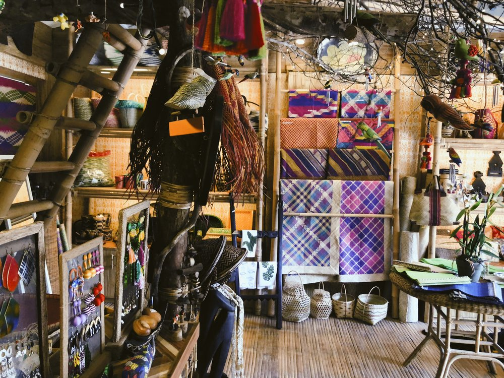 Manggad - Manggads owner prides herself in sourcing local treasures from artisans all over the Philippines.