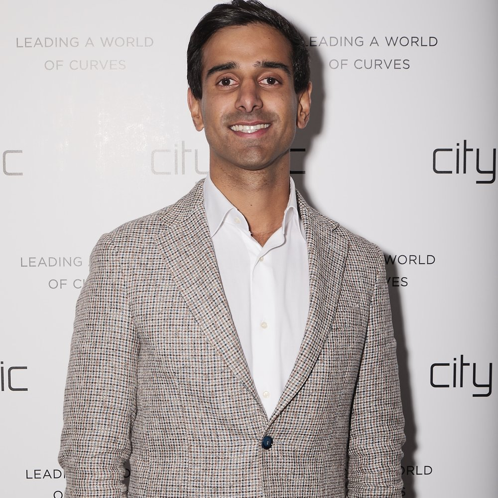 Munraj Dhaliwal  CHIEF FINANCIAL OFFICER (Incoming)  Munraj has a decade experience in finance, strategy, investment banking and corporate advisory. He joined City Chic as the Head of Strategy and Corporate Development in March 2018, and was appointed as the incoming CFO in November 2018.  Munraj was previously with investment bank Luminis Partners in Sydney and the Royal Bank of Canada in London, as well as corporate advisory and accounting firm Lonergan Edwards.  Munraj holds a Bachelor and Master of Commerce from The University of Sydney.