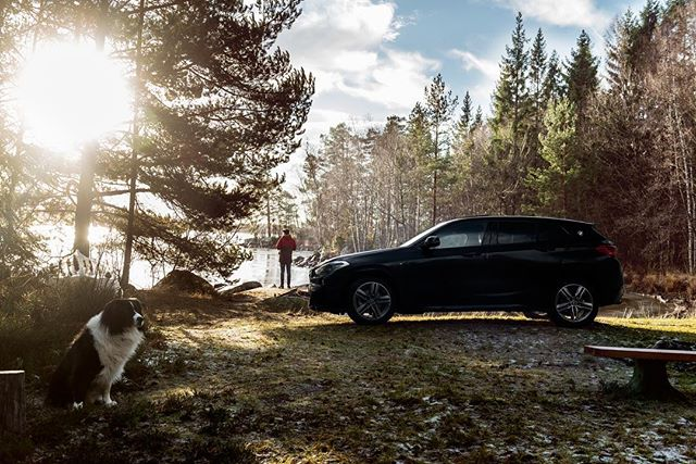 Visiting Småland with the @bmwnederland X2 and our border collie Case! @bmw @apa.photo @vanpoelgeestbmw @visitsweden @visitsweden_ned @visitswedende @visitsmaland @bmwx2official #bmw #bmwx2 #msport #x2 #bordercollie #collie #smaland #småland #sverige #sweden #zweden #lake #sun #freudeamfahren #bmwlife #bmwlifestyle #apaphoto #automotivephotography #nikon #nikonnl #timlaan #lifeinsweden #swedenimages #visitsweden #lifestyle #nature #cars #auto #automotive #visitsmaland