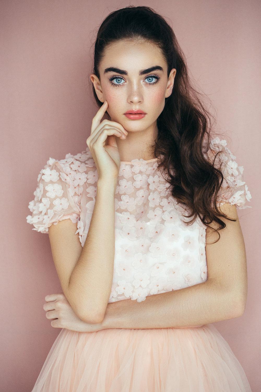 VerryImportantBrows - Passend zu deiner Gesichtsform waxen und stylen dir unsere Expertendie Brauen. Perfekt gefärbt geben sie dir das gewisse Etwas und wirken auf natürliche Weise voller und ausdrucksstärker.