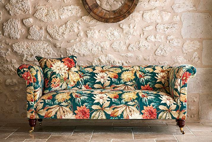 5-Elysian-Sanderson-Fabrics-Wallpapers-Owl-Pine.jpg