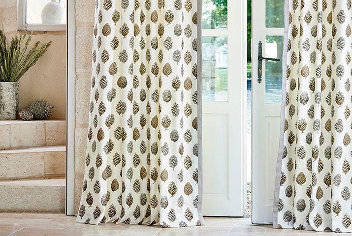 8-Elysian-Sanderson-Fabrics-Wallpapers-Owl-Pine.jpg