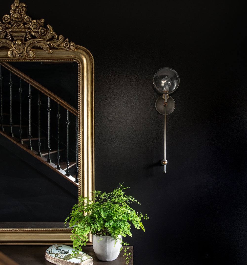 Black Gold Entry - Visible Style