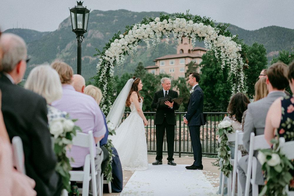 Broadmoor-Wedding-Photography-KC-042.jpg