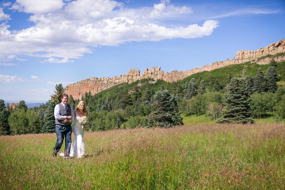 Colorado-Mountain-Ranch-Wedding-024.jpg