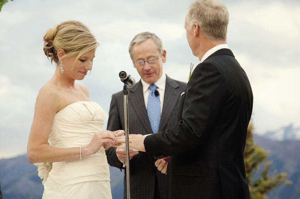 aspen-wedding-deck-036.jpg