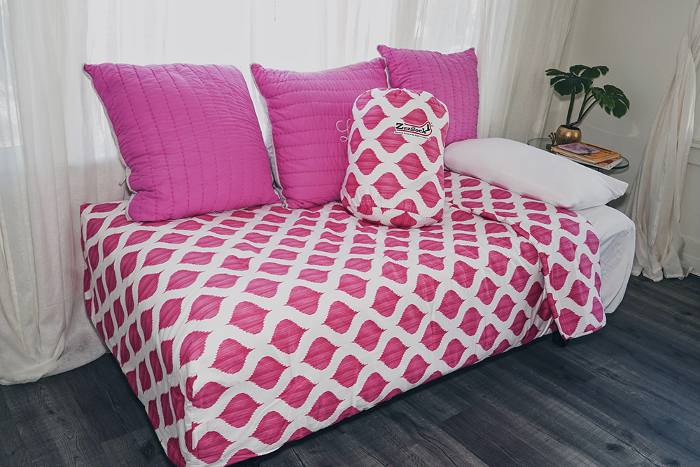 Pink ZzzSock.jpg