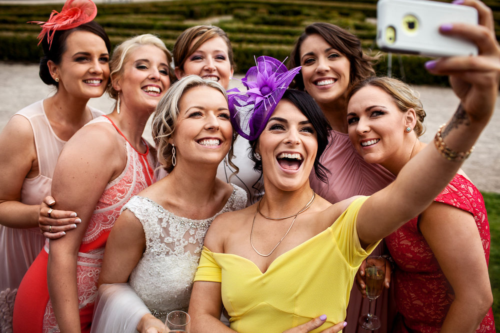 Fun wedding photos. Bride and friends selfie  photo by David Casey Photography in Castlemyrter Resort