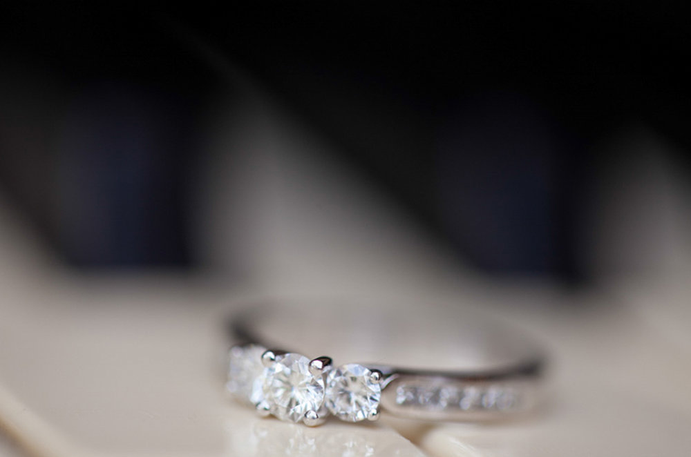 4_Engagement_Ring_Marco_Photography.jpg