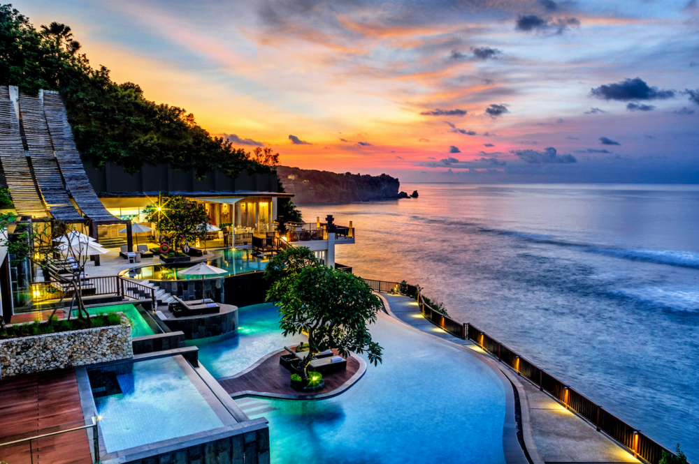pp/night from USD $220   Anantara Uluwatu  is a luxury resort located in the epicentre of Bali's best surf breaks. Directly in front of the resort is Impossibles. A 10-minute drive south and you'll find yourself at the world famous Uluwatu surf break and 10 minutes North you're at Bingin. There are options for everyone . . .
