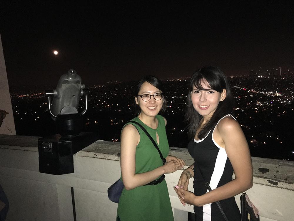 ルームメイトと夜のグリフィス天文台へ行きました