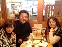 ケアーズ代表取締役手塚さん(左)