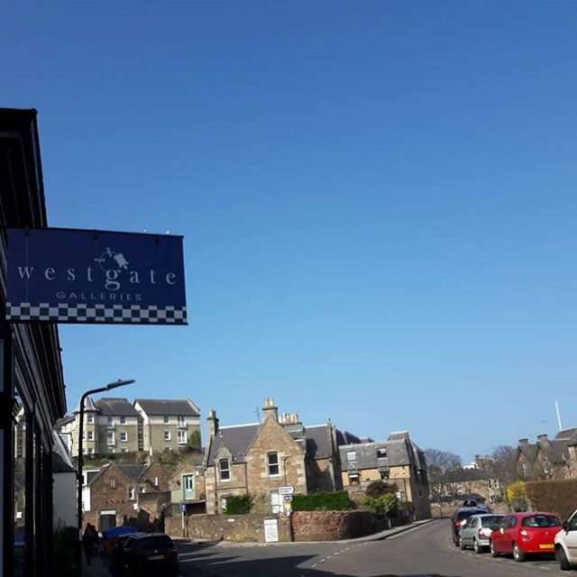 Remember when the sky looked like this... Thinking about Spring days, blue skies and days by the beach...☀️ #tbt #throwbackthursday #sunshine #northberwick