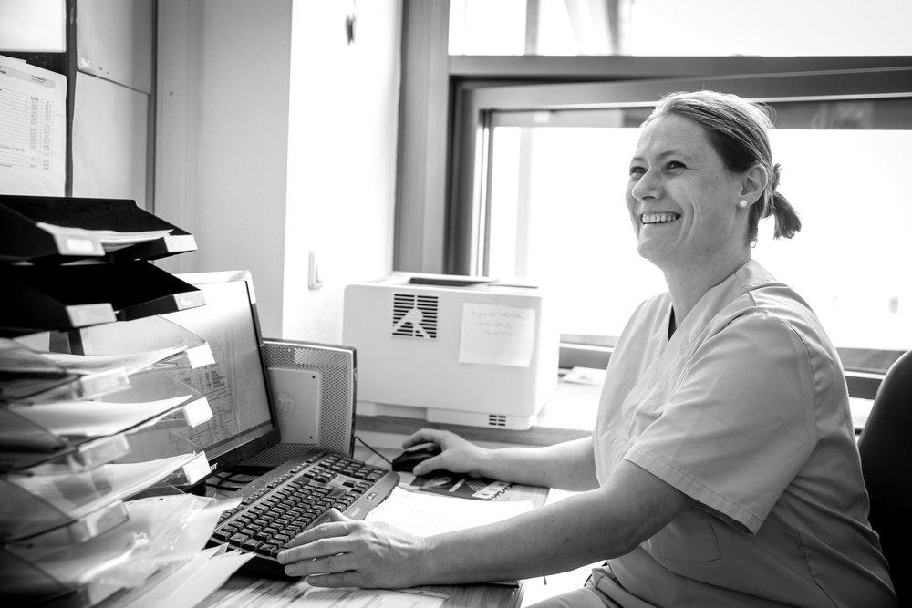 Sie suchen eine (neue) berufliche Herausforderung? - Als Neumarkt-Sankt Veits größter Arbeitgeber sind wir regelmäßig auf der Suche nach qualifizierten Fach- und Hilfskräften zur Verstärkung unserer Teams in allen Arbeitsbereichen (Teil- und Vollzeit im Schichtdienst).