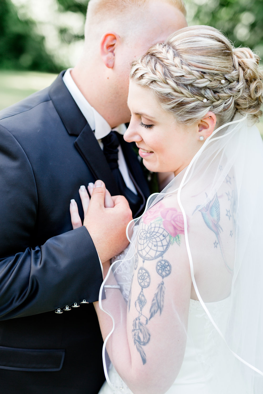 Jennifer   Simona Parisi Styling ist wirklich zu empfehlen, das Team ist stets freundlich und professionell.    Die Beratung ist kompetent und Kunden orientiert. Besonders in Punkto Brautfrisuren und Hochzeitspaketen absolut empfehlenswert.