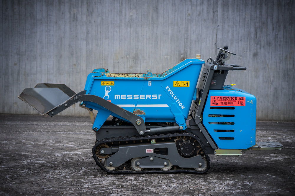 MaskindataTCH R16D - SjälvlastandeBränsletyp: DieselBredd: 83 cmLängd uppfälld skopa: 185 cmLastkapacitet: ca 1000 Kg