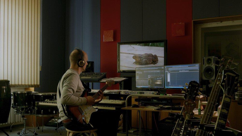 Filmmusik - Das Filmmusik - Studio von Moritz Denis und Eike Hosenfeld ist als eigenständige Einheit räumlich wie technisch in das Tonbüro integriert. Hier erhalten Eure Filme und andere Produktionen ihre eigene, einzigartige Musik