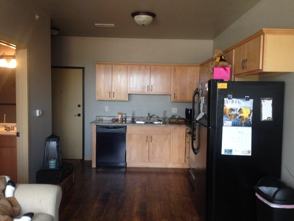 401-kitchen.jpg
