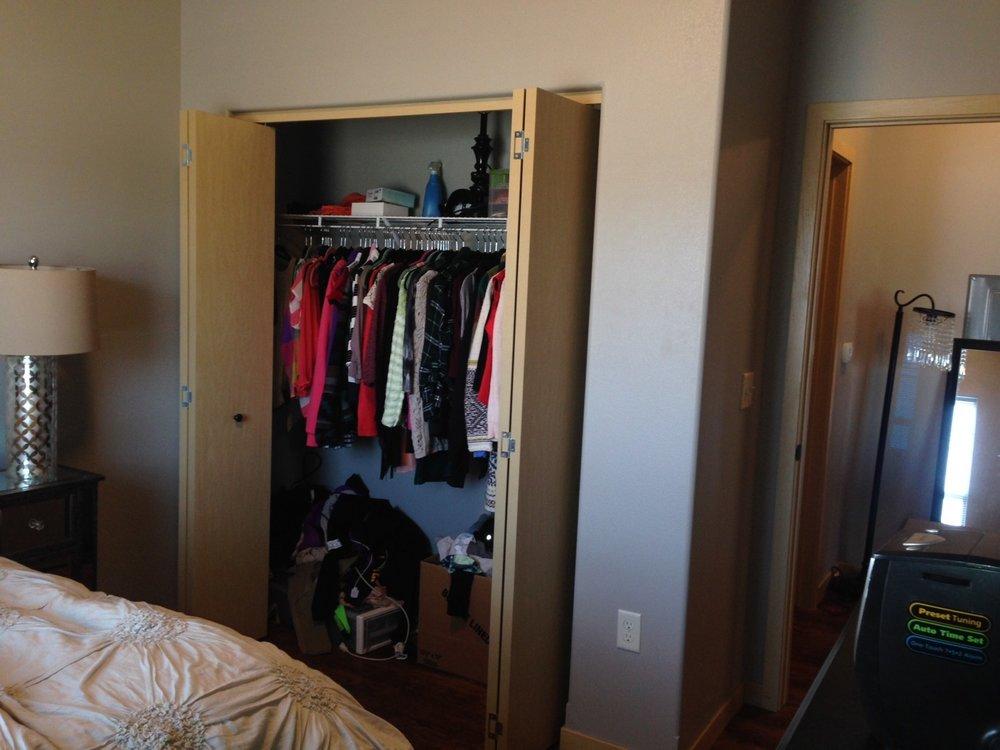305-bdrm-closet.jpg