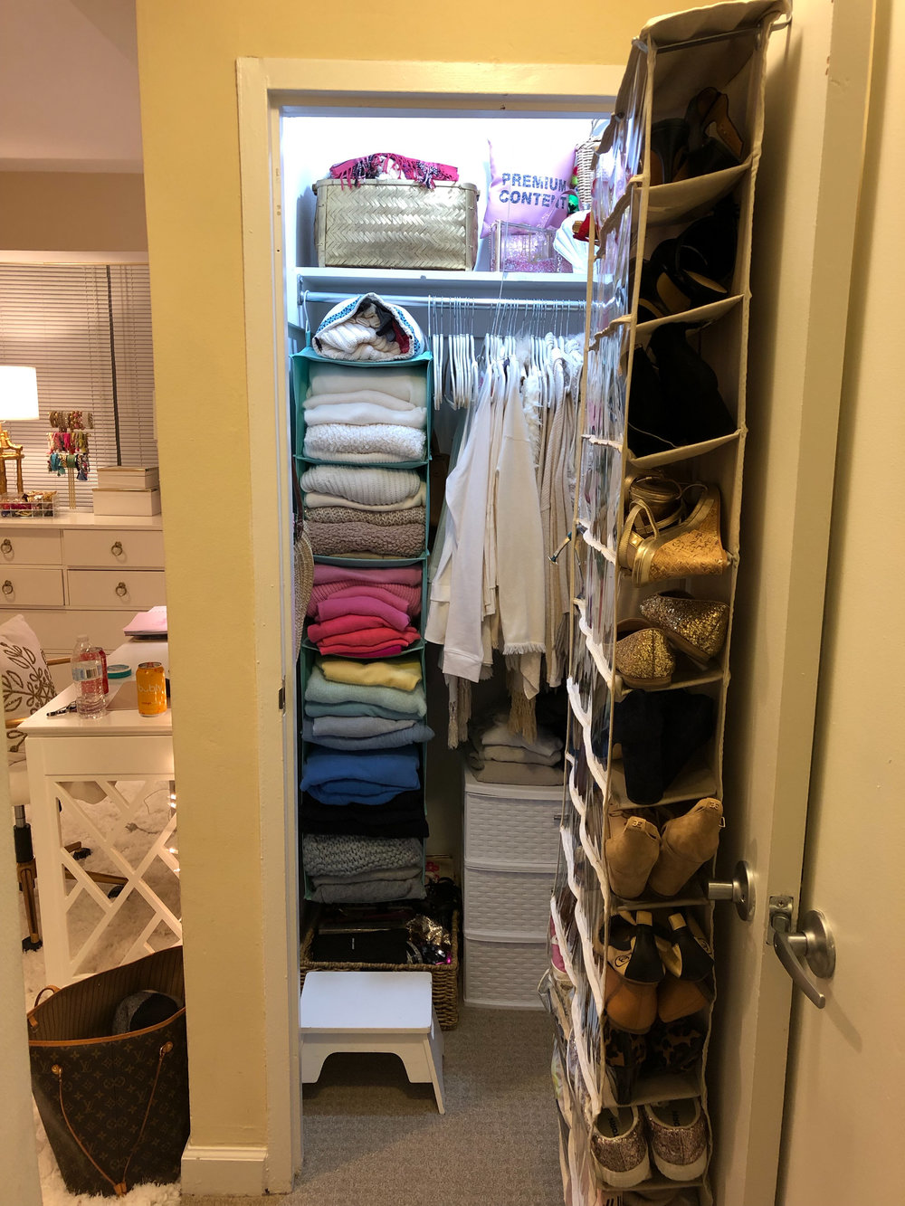 closet-organization-before