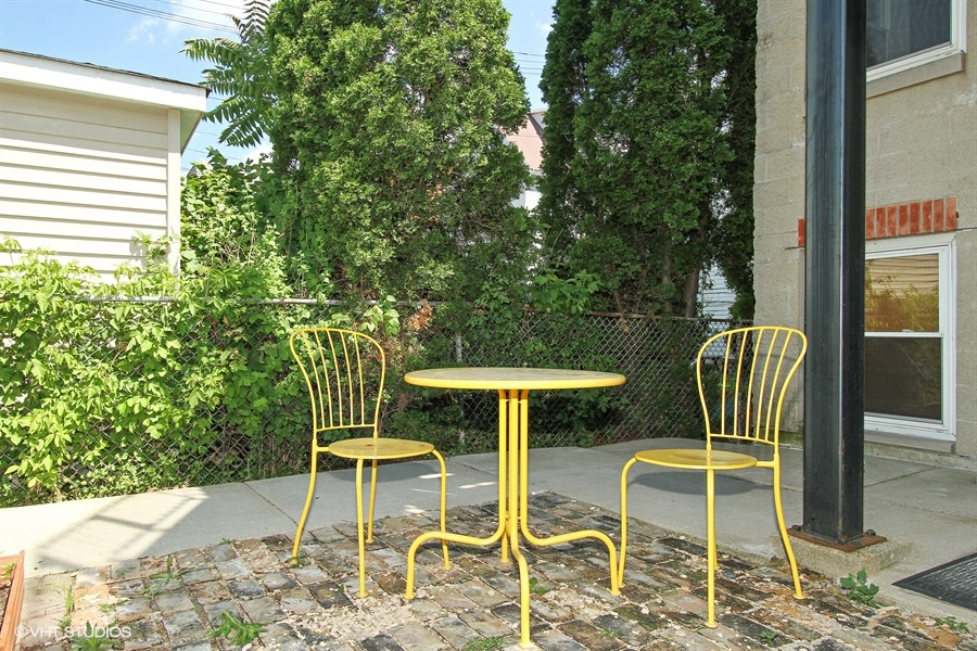 10_3502WDiverseyAve_Unit102_85_Patio_LowRes