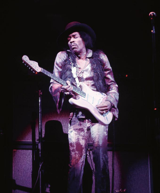 Jimi Hendrix at the Fillmore East, March 1968 © Ken Regan