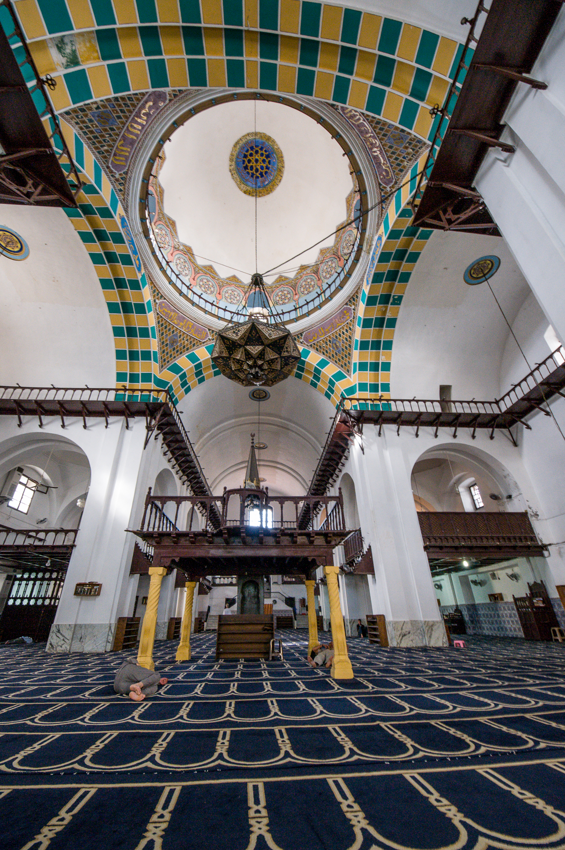 Inside the El Djadid mosque