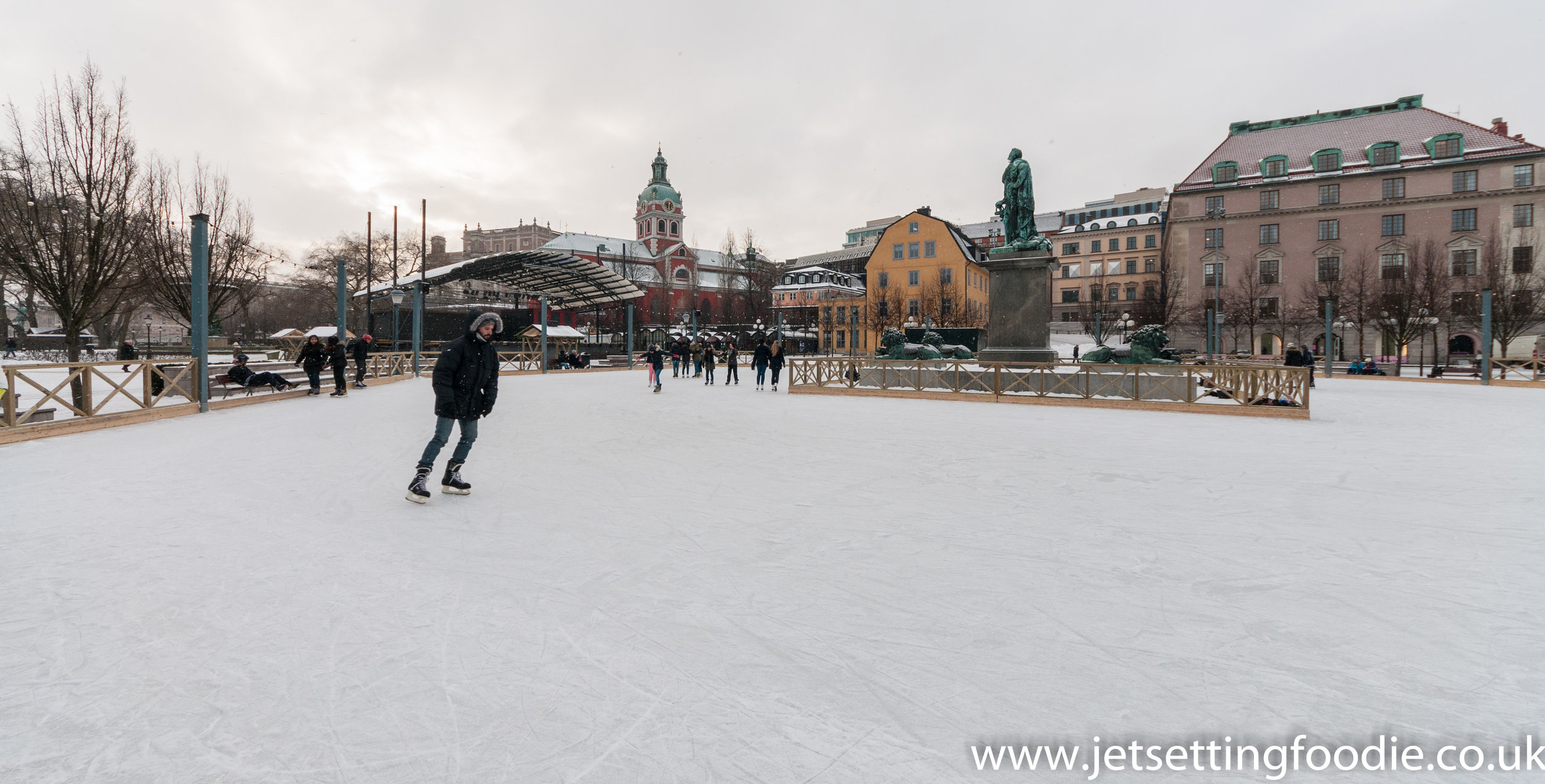 Free ice skating in the centre of Stockholm.