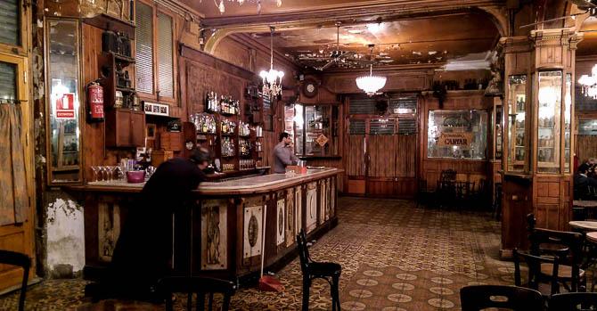 Closing time at Bar Marsella