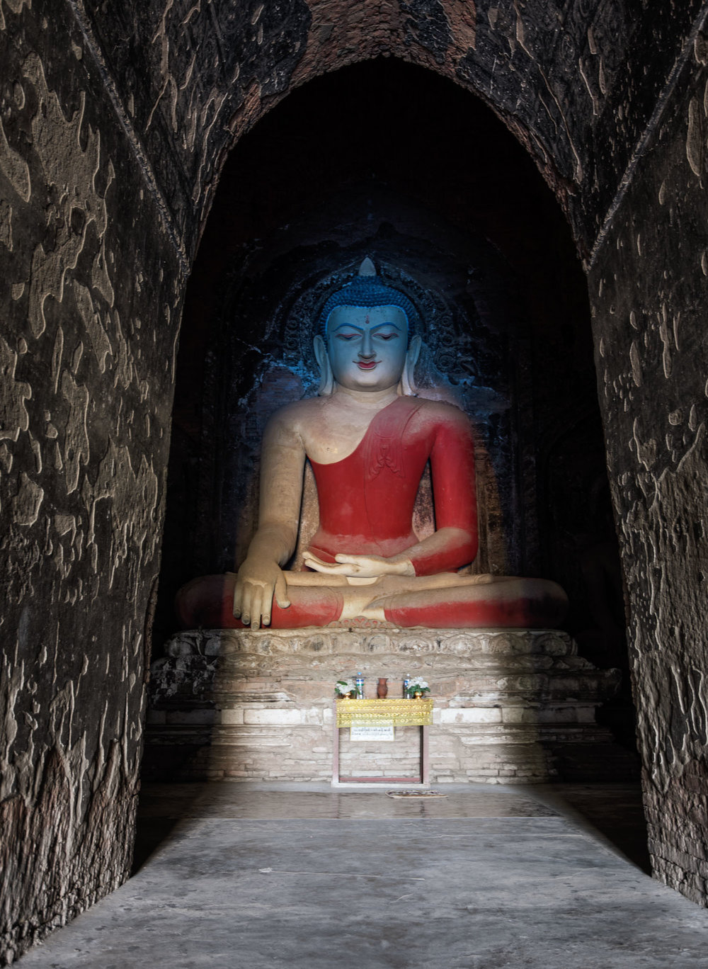The light shines on the Buddha at Pahtothamya, an interesting way of symbolising his enlightenment.