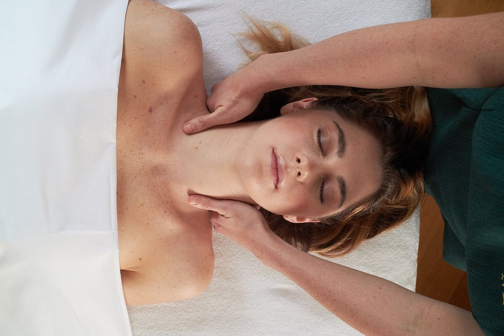 - Aromatherapy Massage to restore well being and enlighten all the senses.