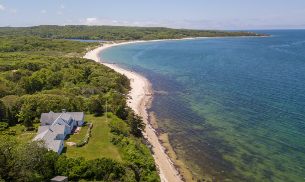 Tour the beautiful north shore, in Vineyard Sound.