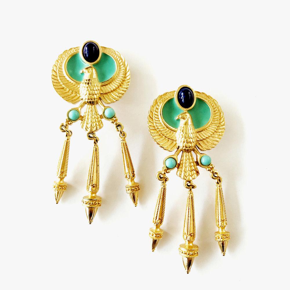 Statement-Ohrringe - Große Ohrclips mit Falkenmotiv. Der Falke repräsentiert dabei den altägyptischen Gott