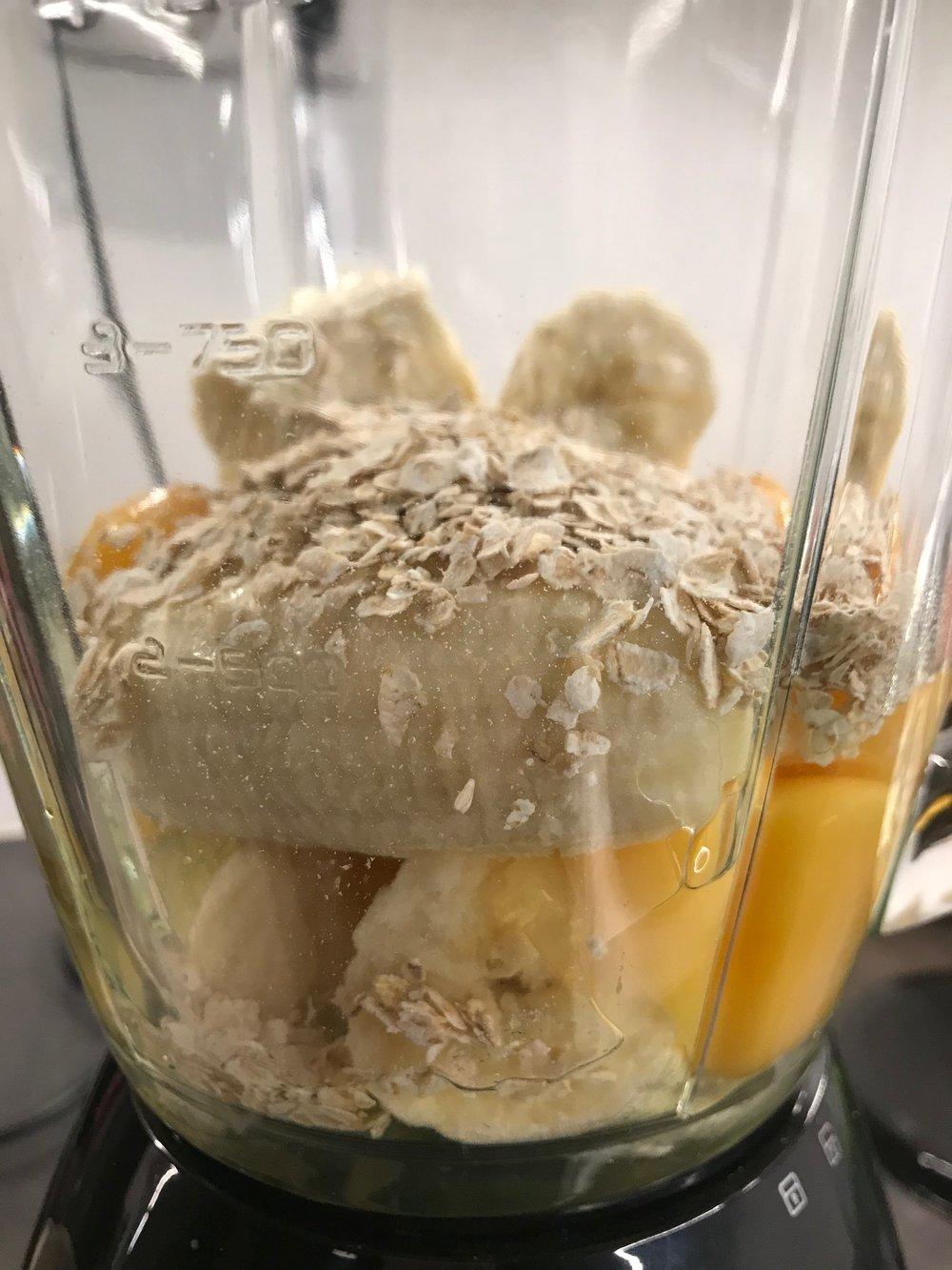 Banaaniletun raaka-aineet ovat edullisia ja letut on helppo valmistaa.