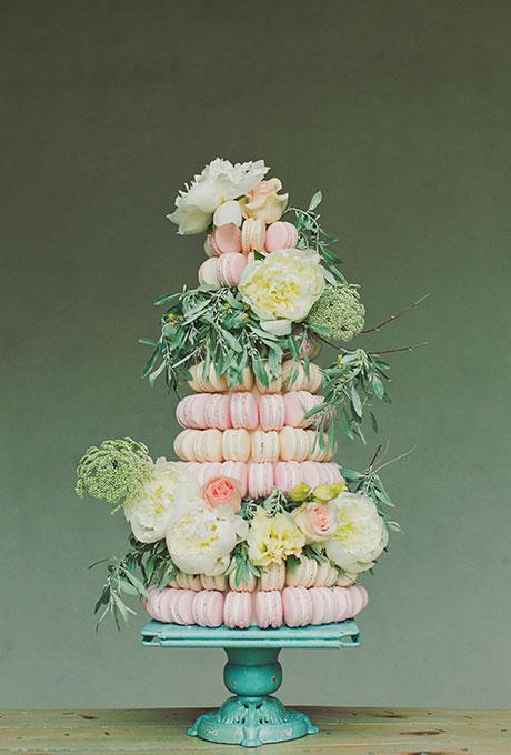 Nontraditional-Cakes-Alixann-Photography