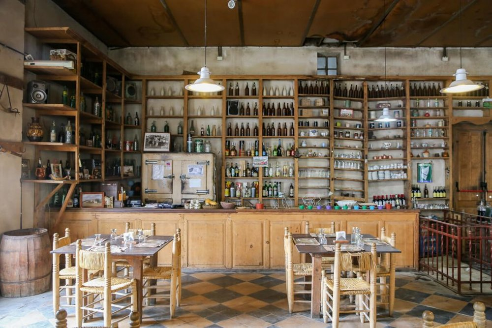 The restaurants in Carlos Keen