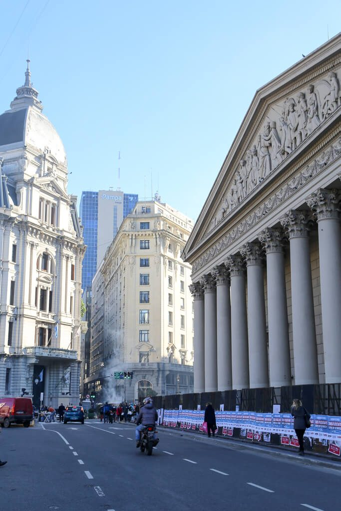 Self-guided walking tour of Avenida de Mayo Buenos Aires from Congress to the Casa Rosada #Argentina #BuenosAires