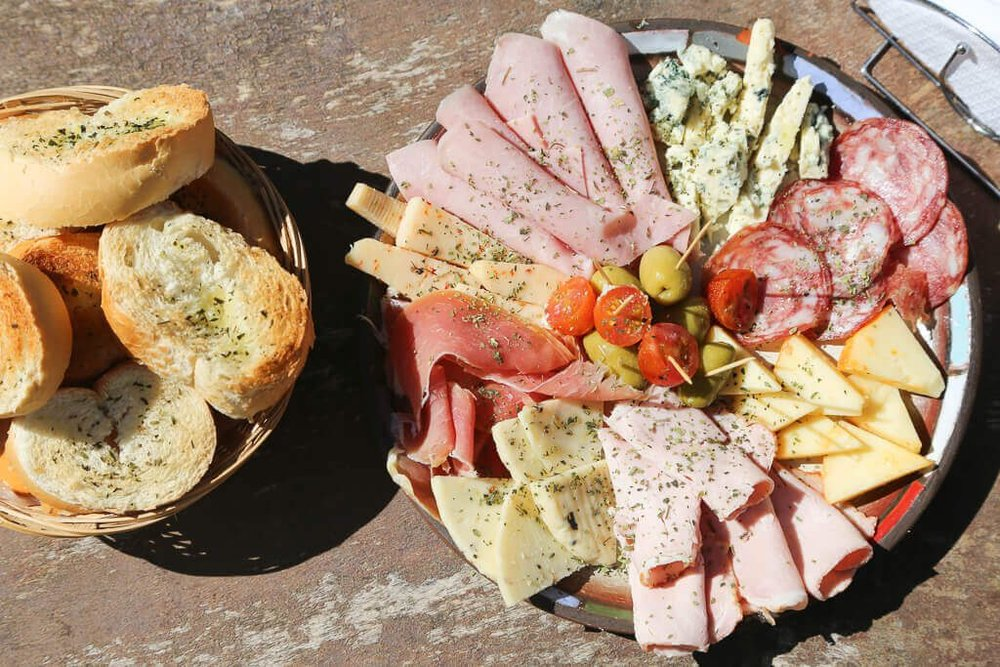 What you have to eat in Argentina: picadas and charcuterie