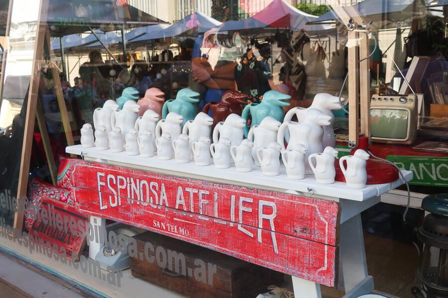 Pinguin pitchers in Buenos Aires