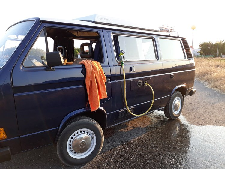 VW-T3-shower.jpg