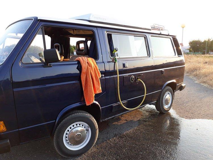 VW-T3-shower.jpg