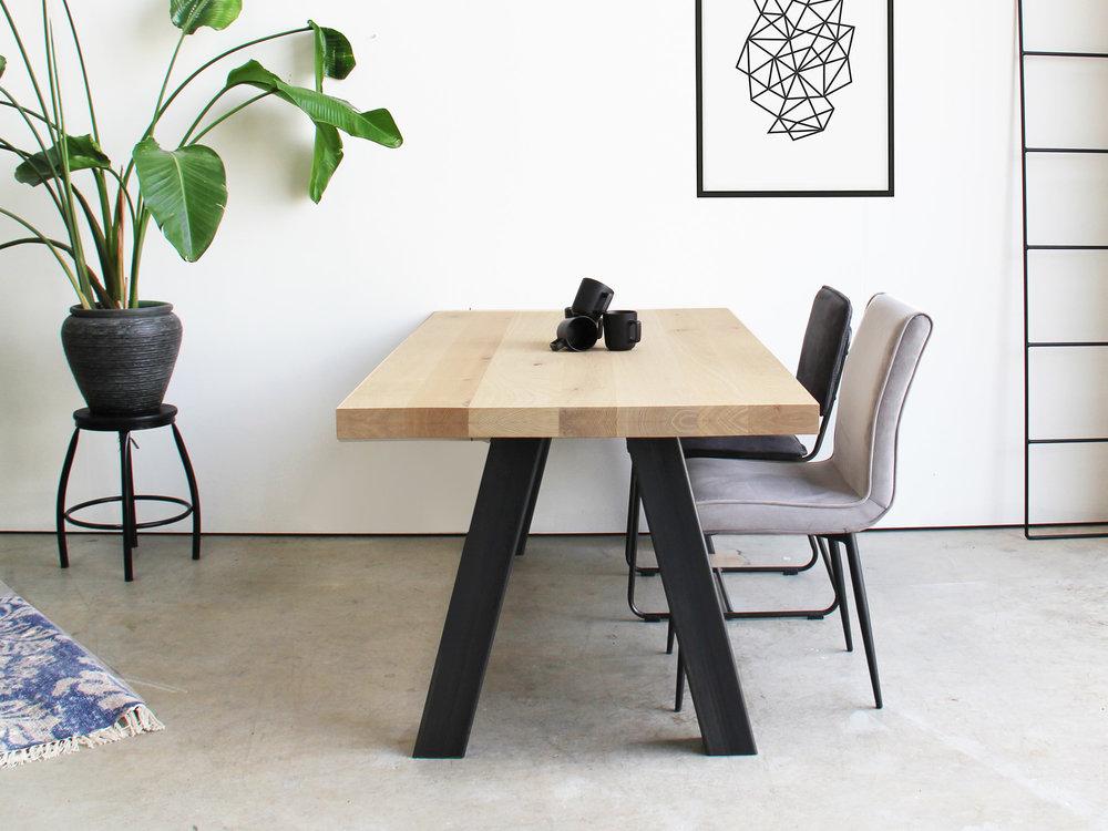 Maatwerk tafel van eikenhout