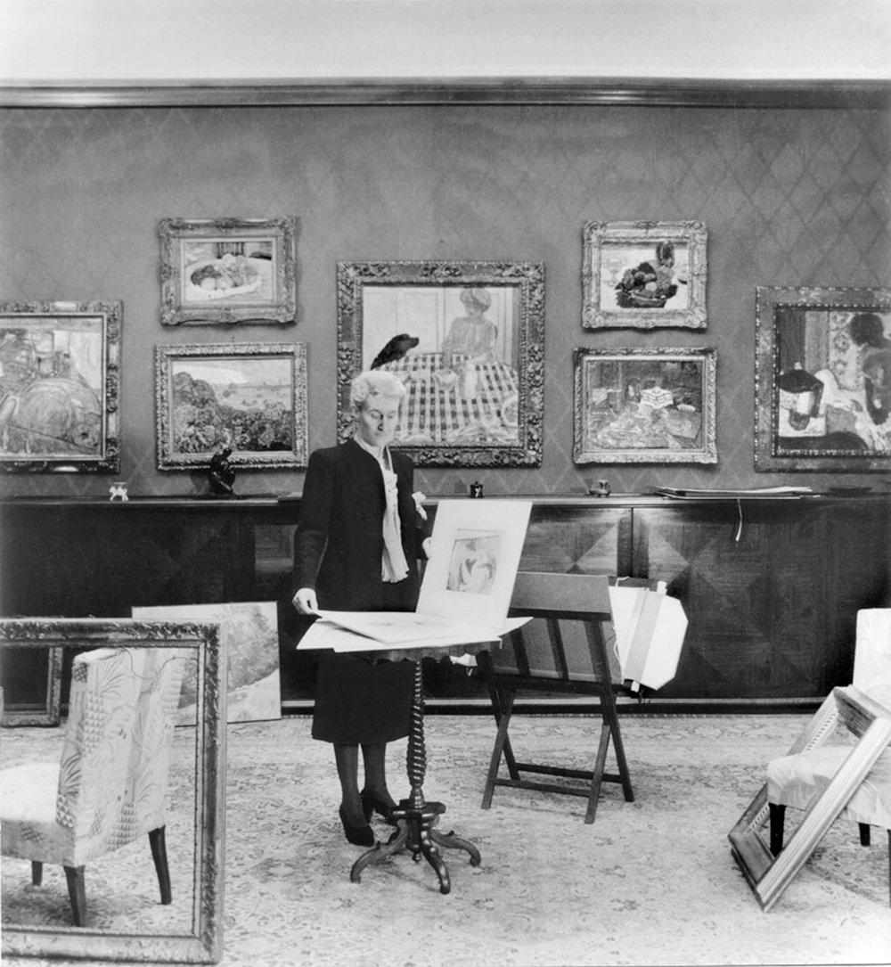 Hedy Hahnloser-Bühler im Oberlichtsaal, 1943/44. Foto von Willy Maywald