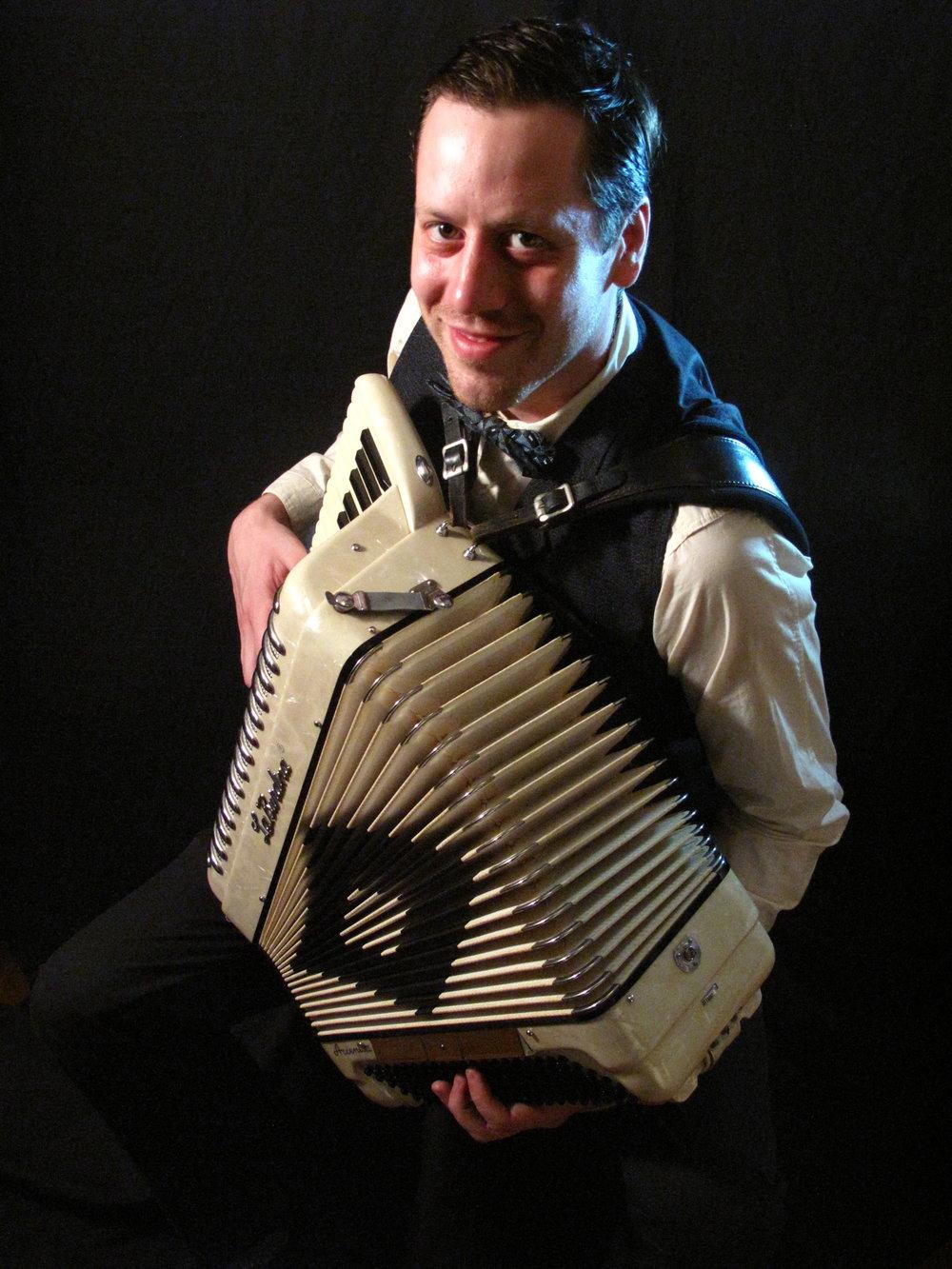 kevin mchugh accordion 03.jpg