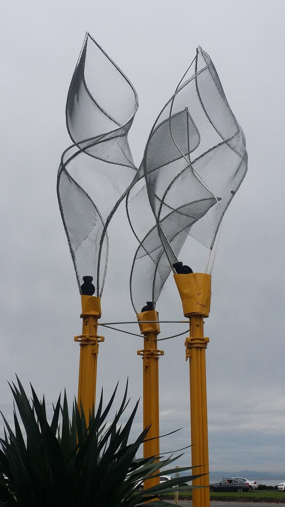 PeaceArchSculpture.jpg