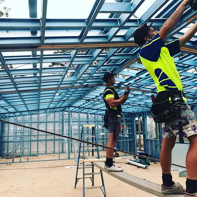 The boys standing frames for (science block) St John Paul II Catholic College, Schofields NSW  #truecore #truecoresteel #lightsteelframe #coldformedsteel #50yearwarranty #rollforming #rollformingmachine #australianmade #thefuturebuildingsolution #termiteprotection #termiteproof #quickseries #caddesign