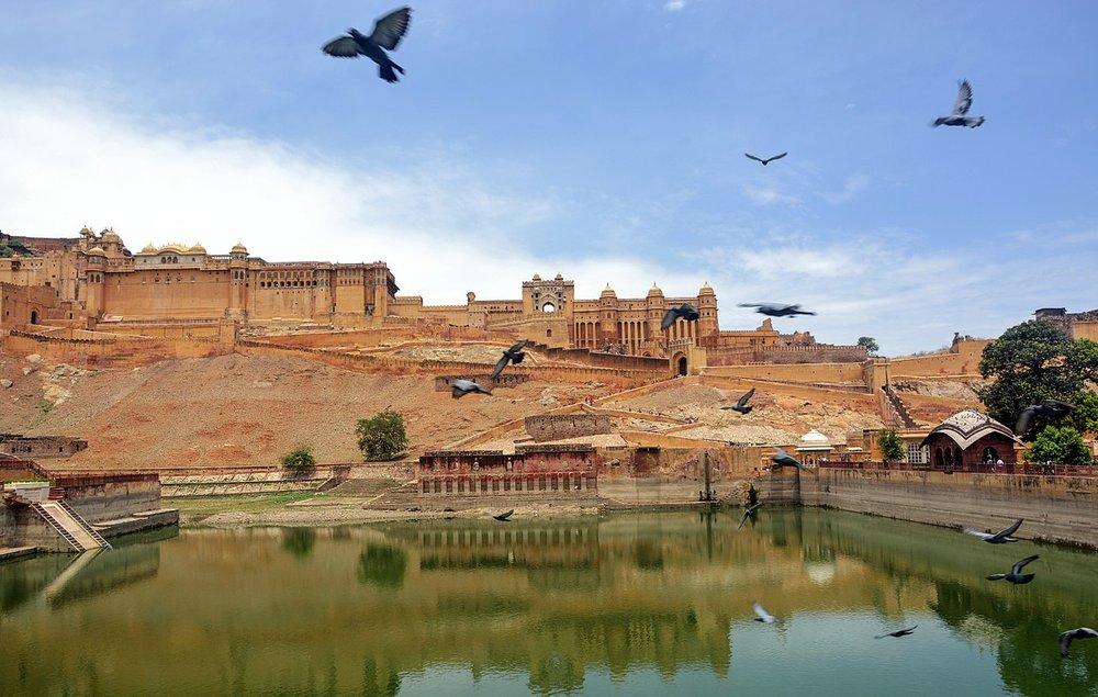 1280px-Jaipur.Jaigarh.Fort.jpg