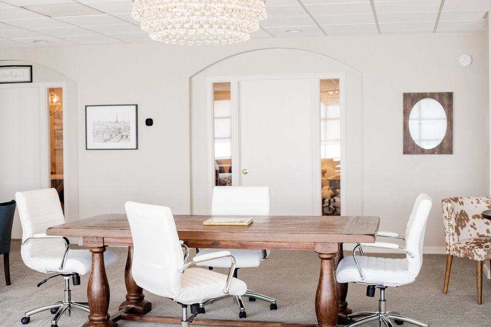 ABOUT TROUVAILLE - Trouvaille is an intimate and quaint Coworking Lounge environment offering all the amenities you need to be successful.