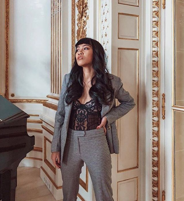 Bossed babe and our Z Best Dressed maker @streetstyleteller shows us the POWER of the Power suit 🙌🏼 // Shop her closet now on Trench 💕