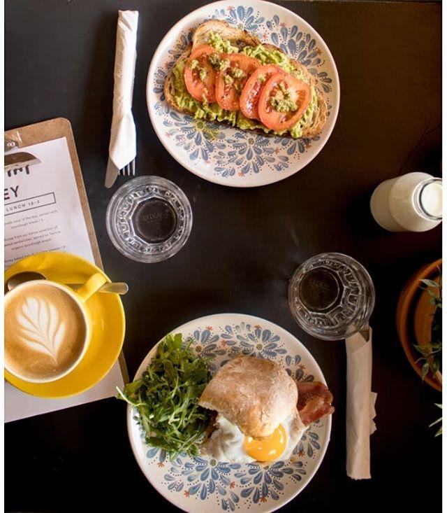 V day tomorrow! Who is your favourite brekkie date?? 👭👬👫 Spread some love ❤  #honeyhoney #portmarnock #dublincafe #specialtycoffee
